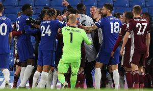 Cầu thủ, HLV Chelsea và Leicester City xô xát
