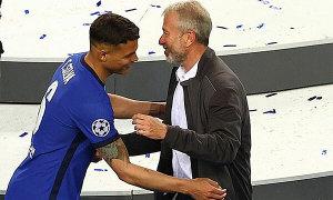Tỷ phú Abramovich chia vui với dàn sao Chelsea