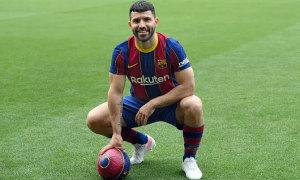 Ngày đầu của Sergio Aguero ở Barca