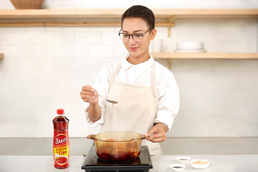 Bí quyết làm món thịt kho tàu với trứng của Á quân Masterchef
