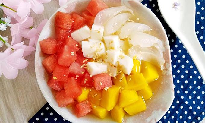 Chè thạch sữa trái cây mát lạnh ngày hè