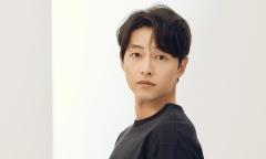 Song Joong Ki quay phim sau một năm chạy dịch
