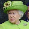 Nữ hoàng bỏ tiền túi để điều tra Meghan bắt nạt nhân viên