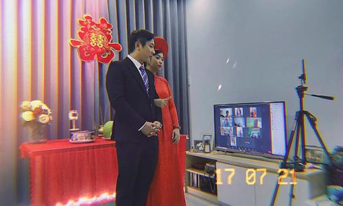 Đám cưới online trong tòa nhà bị phong tỏa