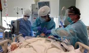 Bệnh nhân Covid-19 Mỹ hối hận vì từ chối tiêm vaccine