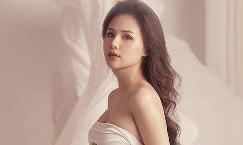 Phanh Lee sinh con gái đầu lòng