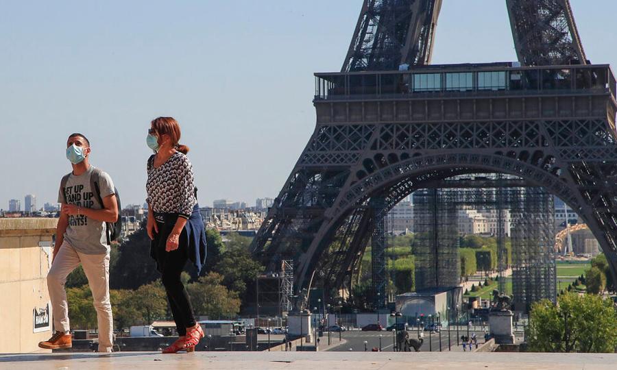 Tháp Eiffel yêu cầu khách phải 'âm tính' hoặc đã tiêm vaccine