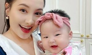 Ảnh sao 28/7: Con gái Bảo Thanh tươi rói giống mẹ