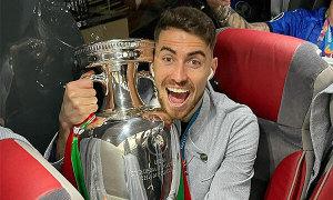Jorginho giành giải Cầu thủ hay nhất năm của UEFA