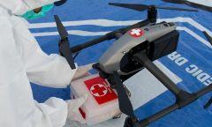 Dùng flycam tiếp tế cho khu vực cách ly vì Covid-19