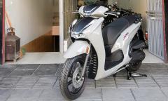 Honda SH 350i đội giá 50 triệu đồng tại đại lý