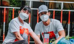Vợ chồng Sỹ Toàn - Ngọc Tiên cùng đi chống dịch