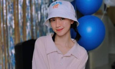 Combo giúp Hòa Minzy đỡ mụn ẩn, da căng bóng