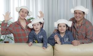 Thanh Thúy - Đức Thịnh chụp ảnh gia đình hài hước