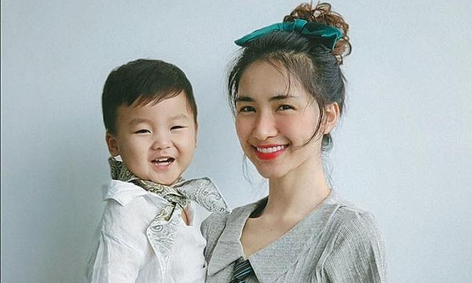 Giải mã sức hút của con trai Hòa Minzy