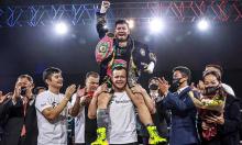Võ sĩ Thu Nhi - từ cô bé bán vé số thành nhà vô địch boxing thế giới